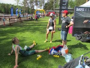 Ihan poikki, vaihdetaan mietteitä Petrin ja Juhan kanssa. Kuva: Leena Seppälä